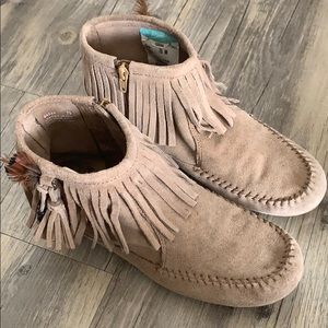 Minnetonka Moccasin Suede Ankle Boots
